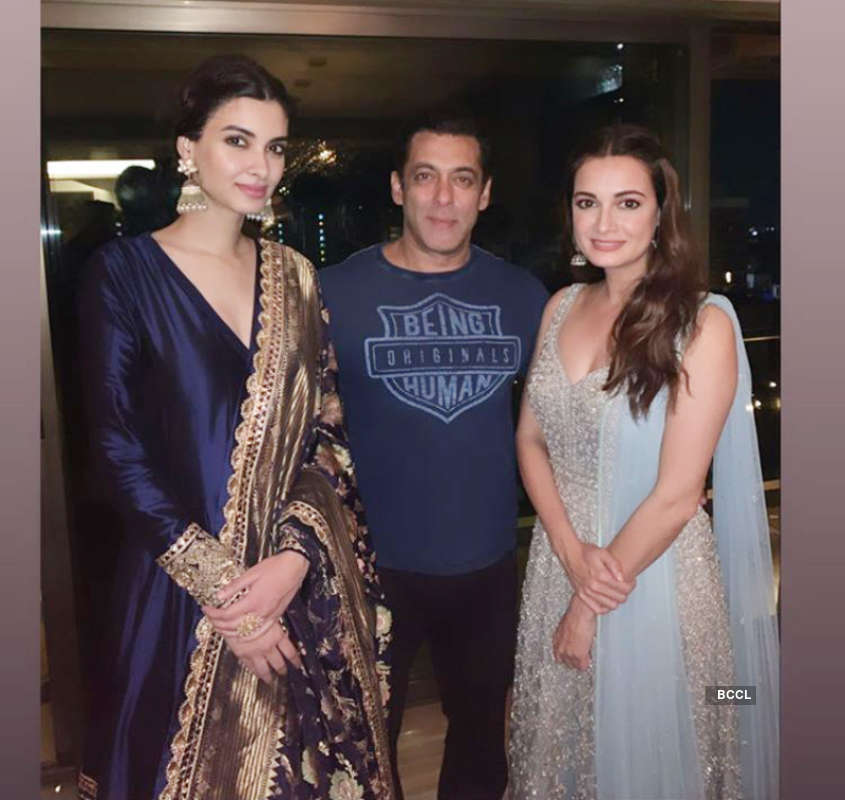 Salman Khan, Sonakshi Sinha and other stars galore at Ramesh Taurani's Diwali party