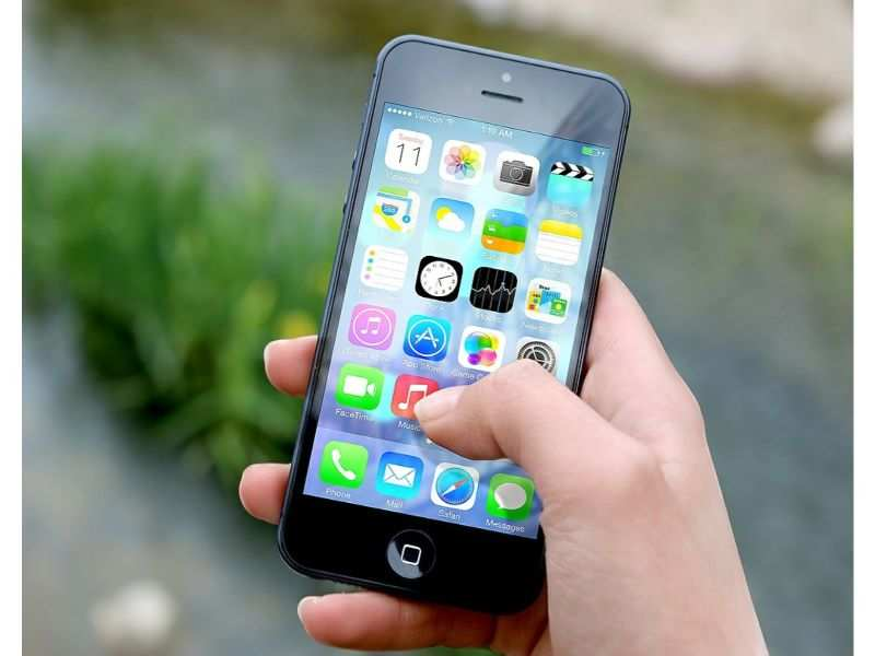 Apple iPhone users, delete these 17 apps right now