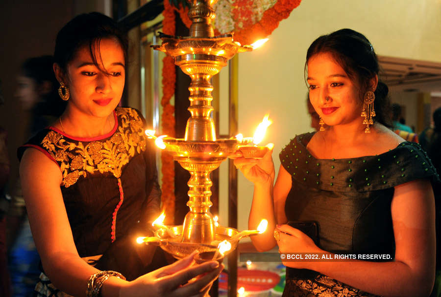 Colourful pictures of Diwali celebrations across India