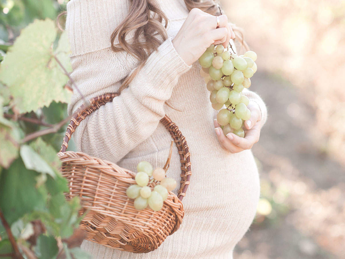 Should you eat grapes during pregnancy?