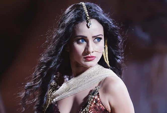Heena Parmar as naagin