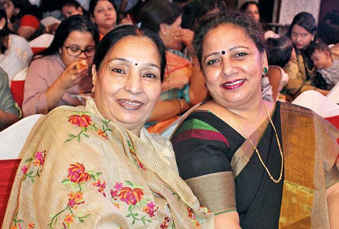 Rekha Kapoor and Seema Tandon (BCCL/ Arvind Kumar)
