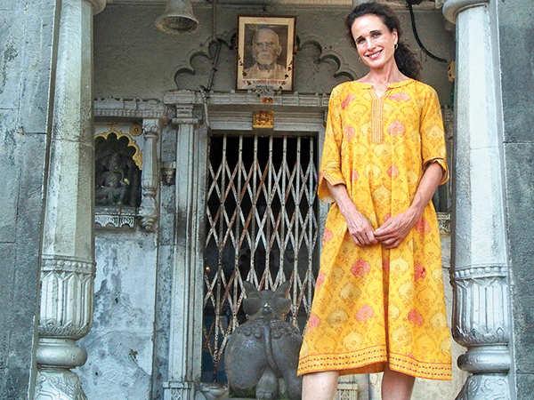 Andie MacDowell at Banganga temple in Mumbai