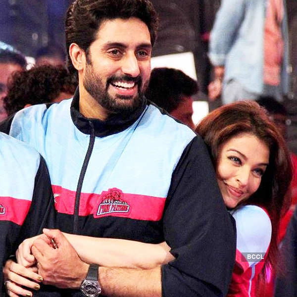 Caption on Abhishek Bachchan's t-shirt steals the show