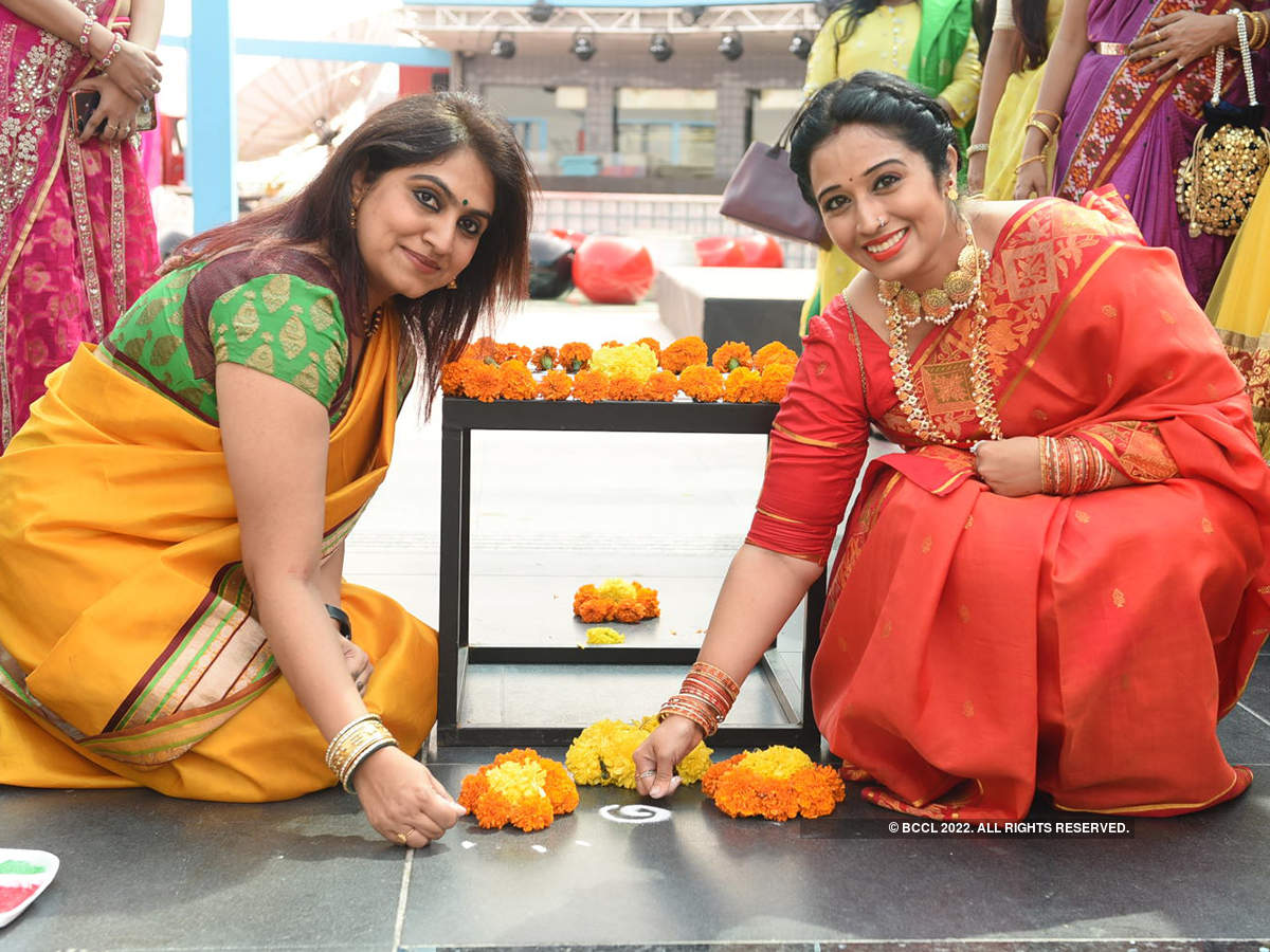 City ladies come together to celebrate Dussehra