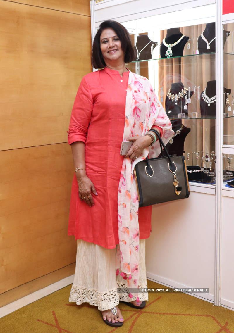 P3Ps attend Goldkarat exhibition by Vimonisha