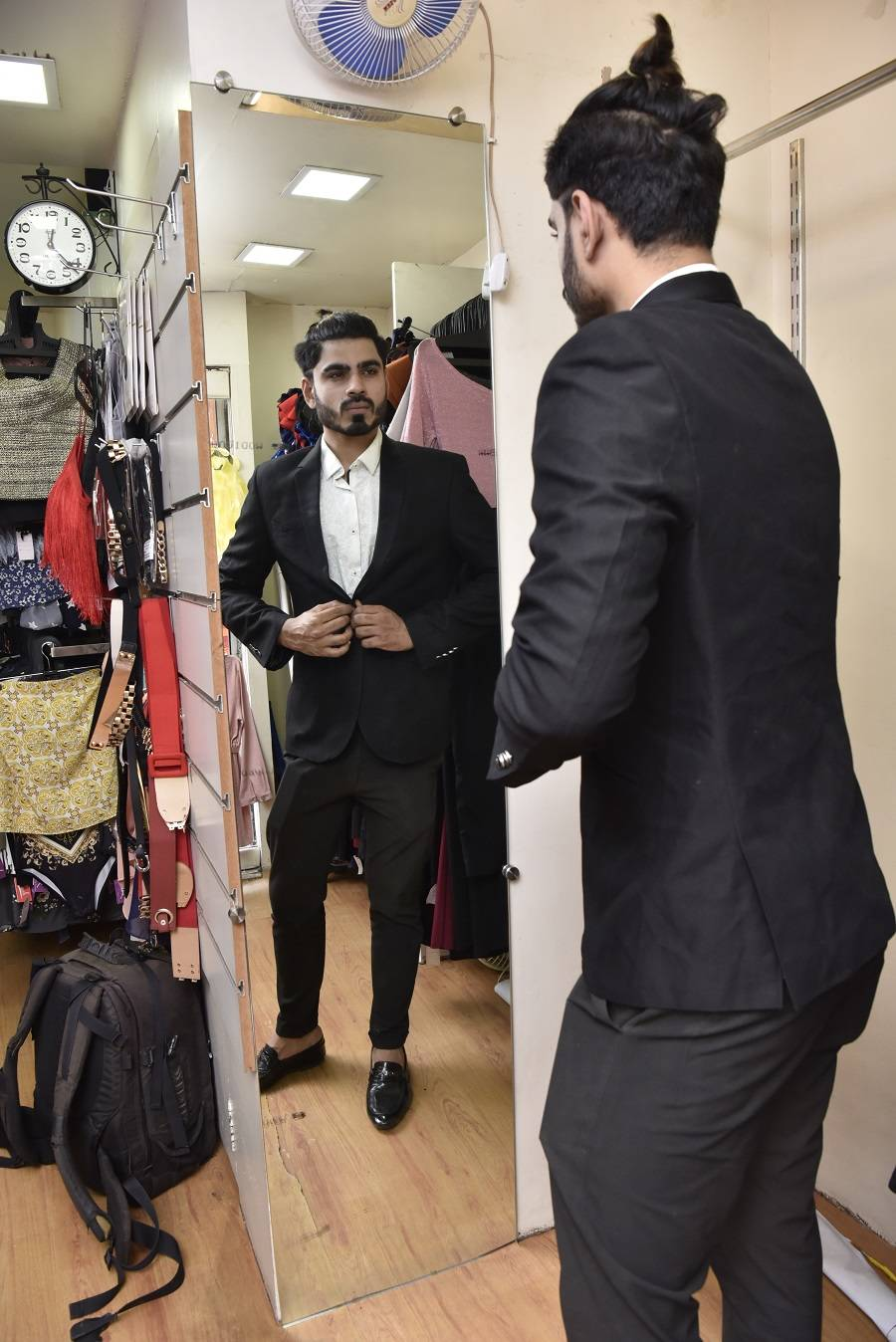 Rentals Millennials Rent Out Designer Swag To Look Stylish And Also Curb Fashion Waste Times Of India