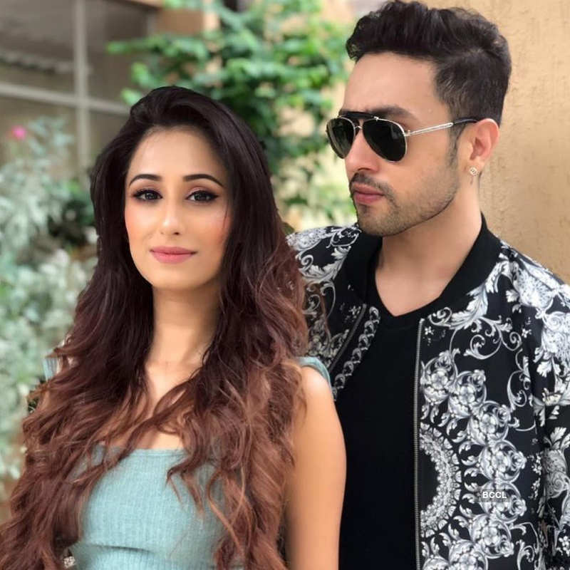 Glamorous pictures of Adhyayan Suman's girlfriend Maera Mishra go viral…