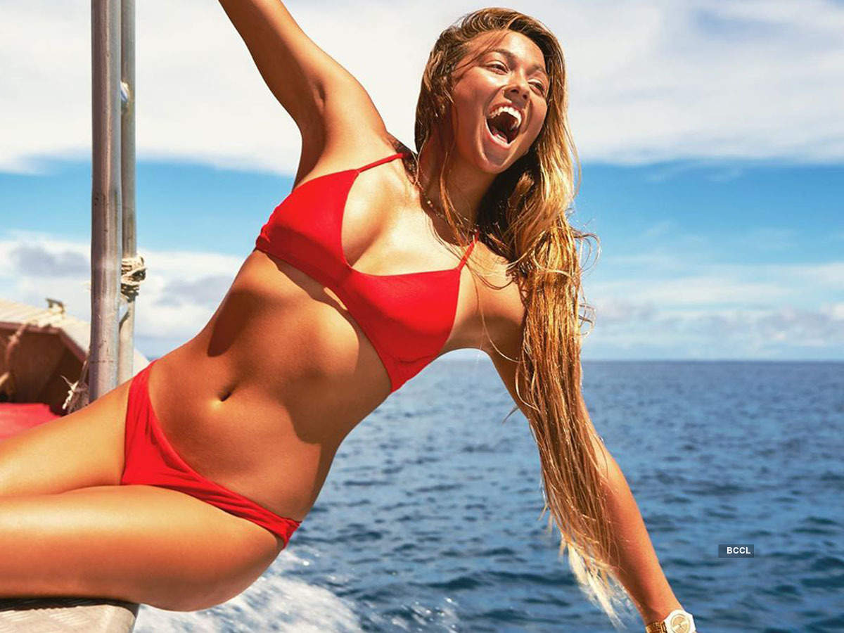 Alluring pictures of Puerto Rican surfer Tia Blanco