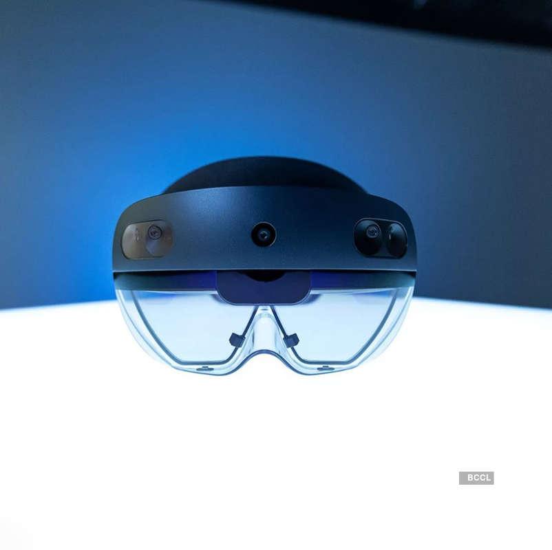 Microsoft starts shipping HoloLens 2