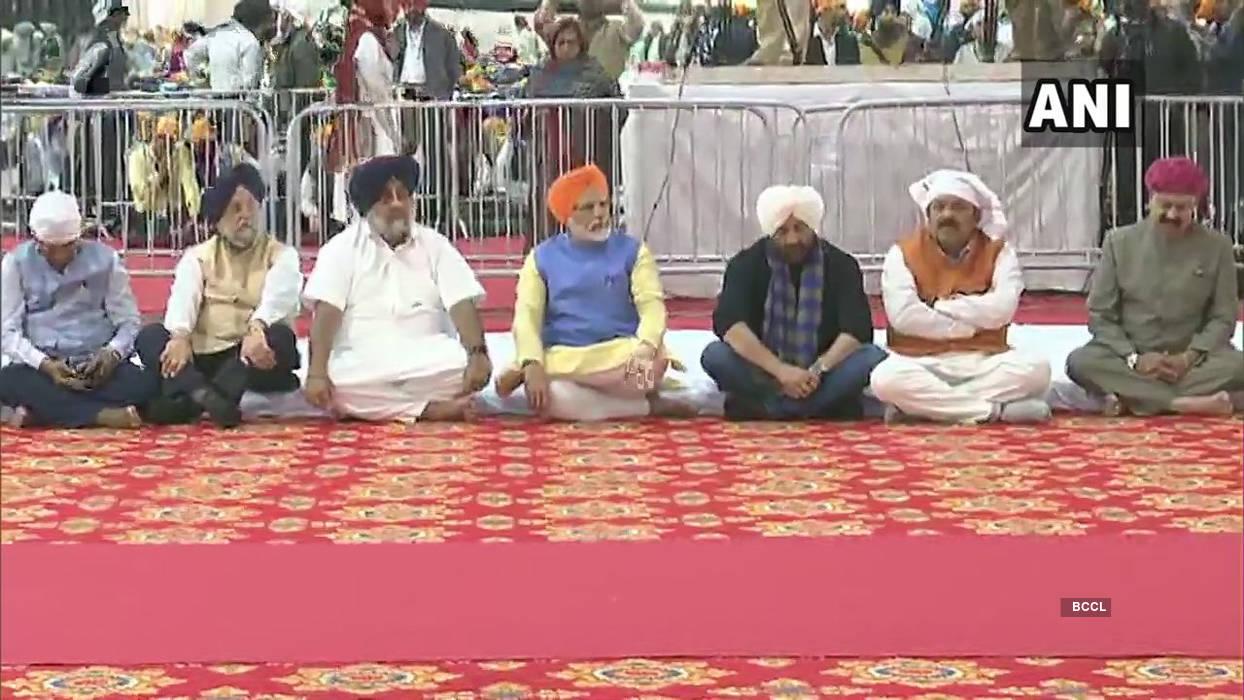 Narendra Modi inaugurates Kartarpur corridor, flags off first jatha of pilgrims