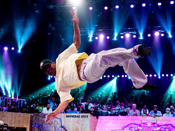 B-Boy-Flying-Machine-at-Red-Bull-BC-One-World-Final-2019