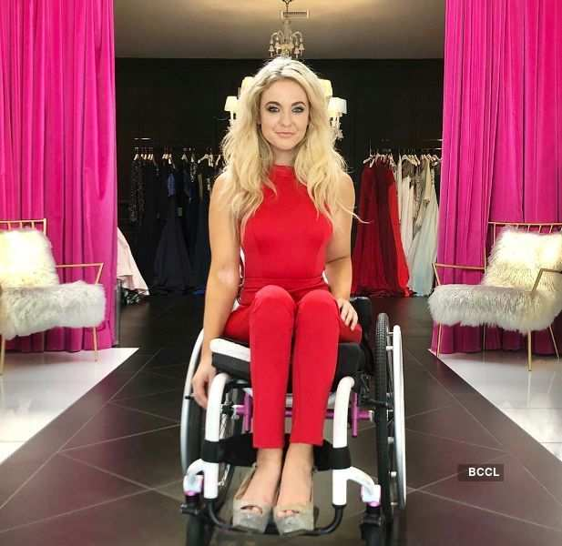 First woman in wheelchair to compete in beauty pageant