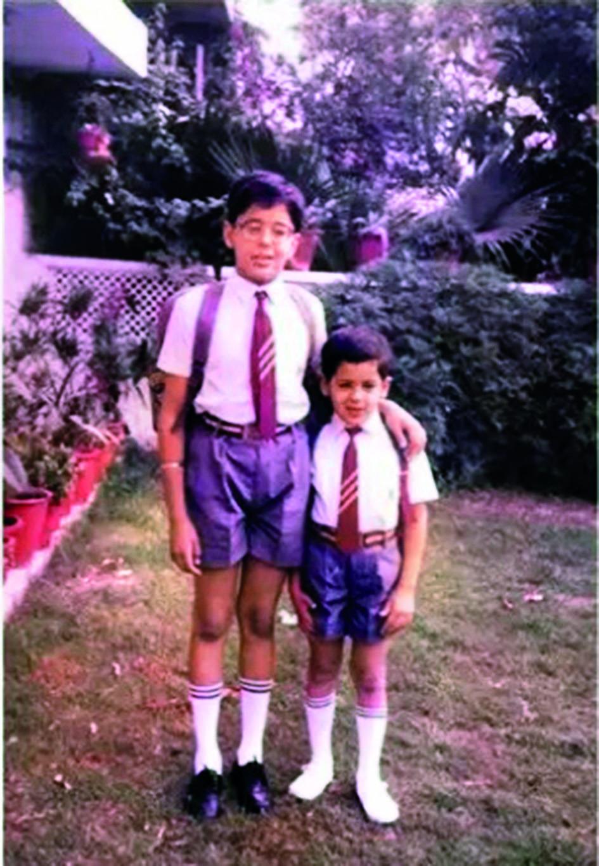 CHILDREN_SIDHARTH MALHOTRA WITH ELDER BROTHER HARSHAD