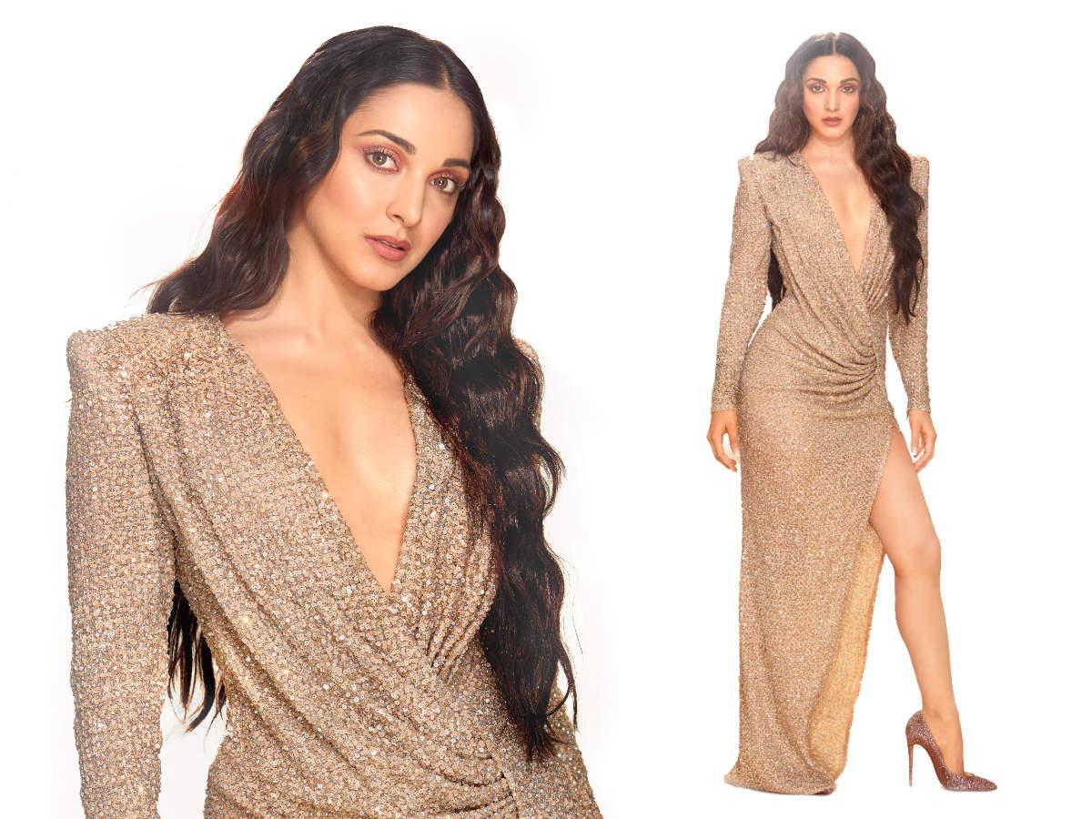 Kiara Advani sexy dress