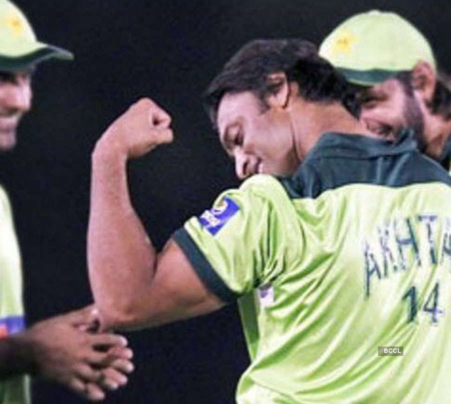 Harbhajan Singh's response to Shoaib Akhtar's latest picture is perfect