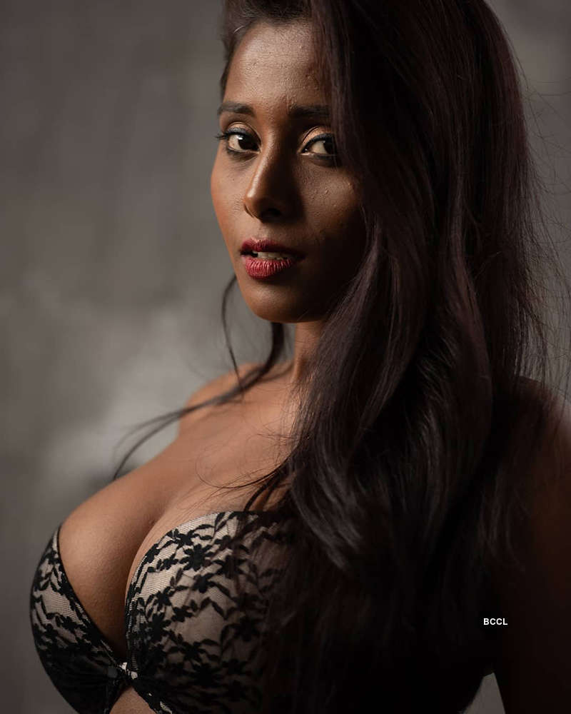 Meet actress & Miss India Bikini 2015 Nikita Gokhale, who is an Instagram sensation
