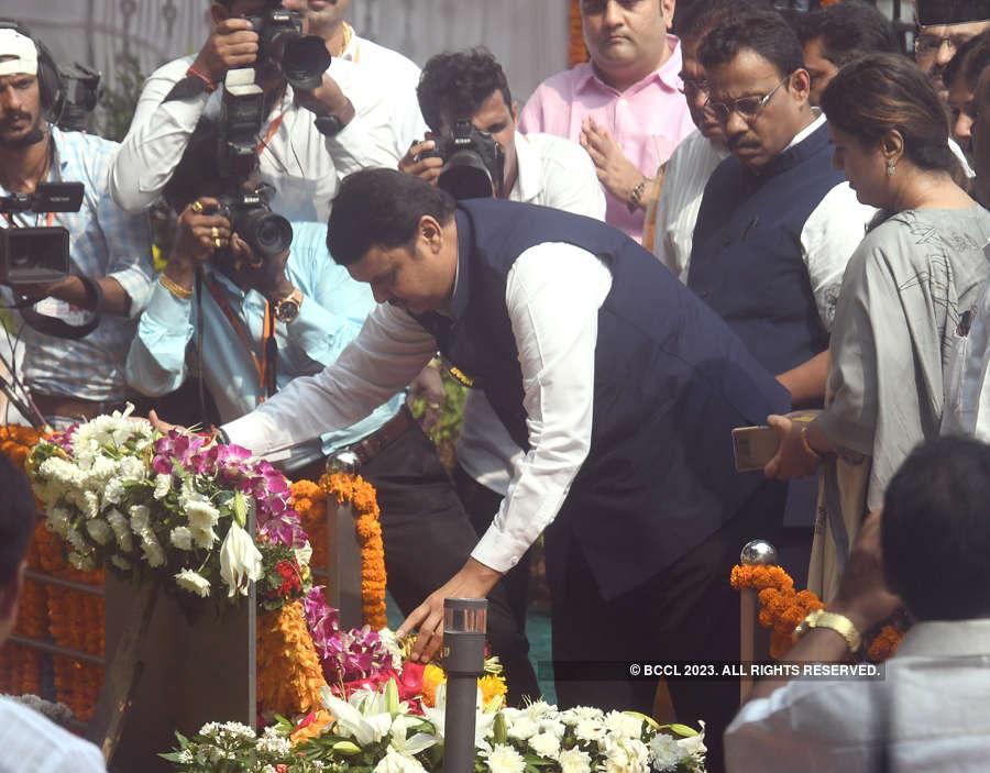 Death anniversary: Shiv Sena, BJP leaders pay tribute to Balasaheb Thackeray