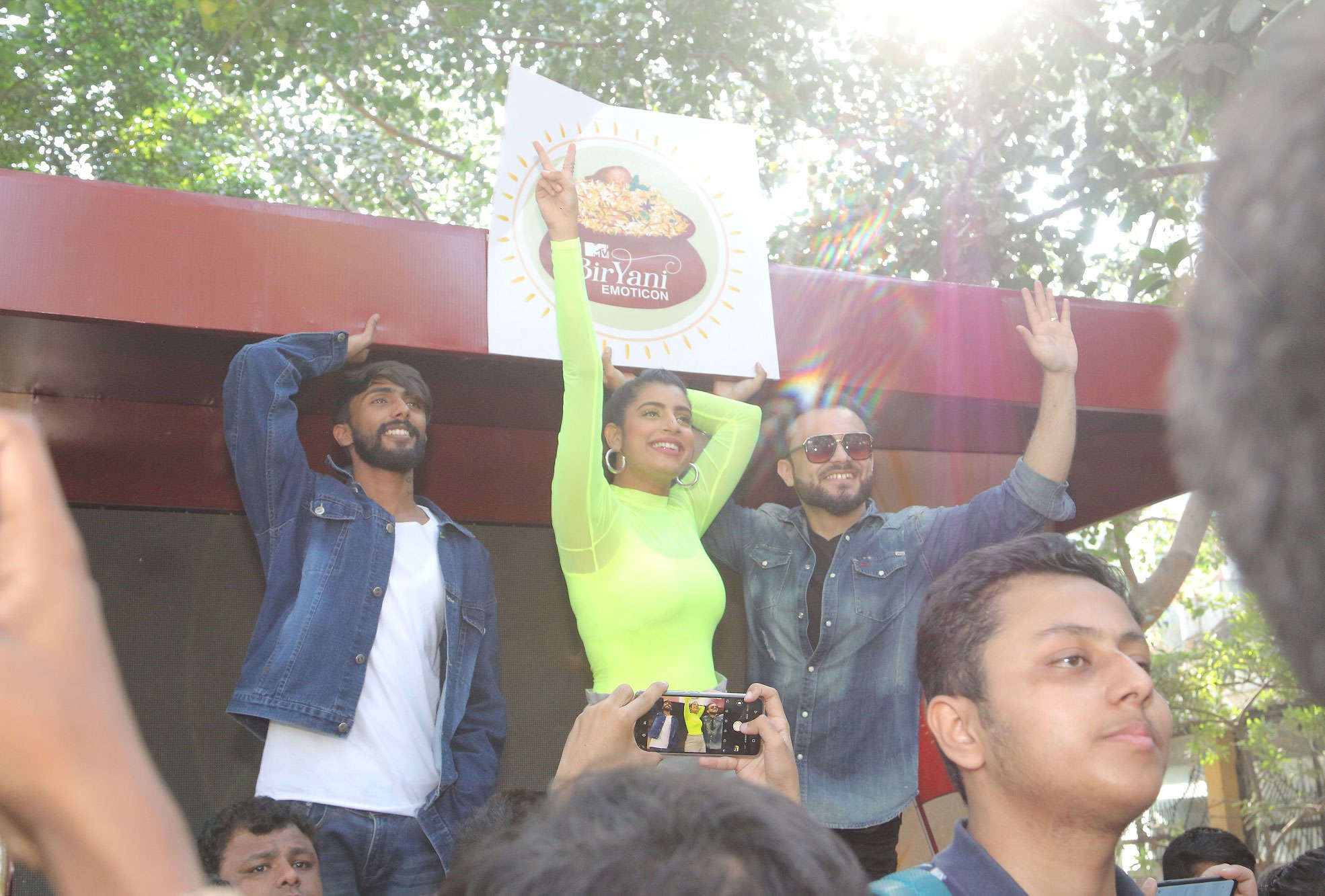 VJ Gaelyn with MTV Hustle Contestants at the MTV Biryani March in Delhi