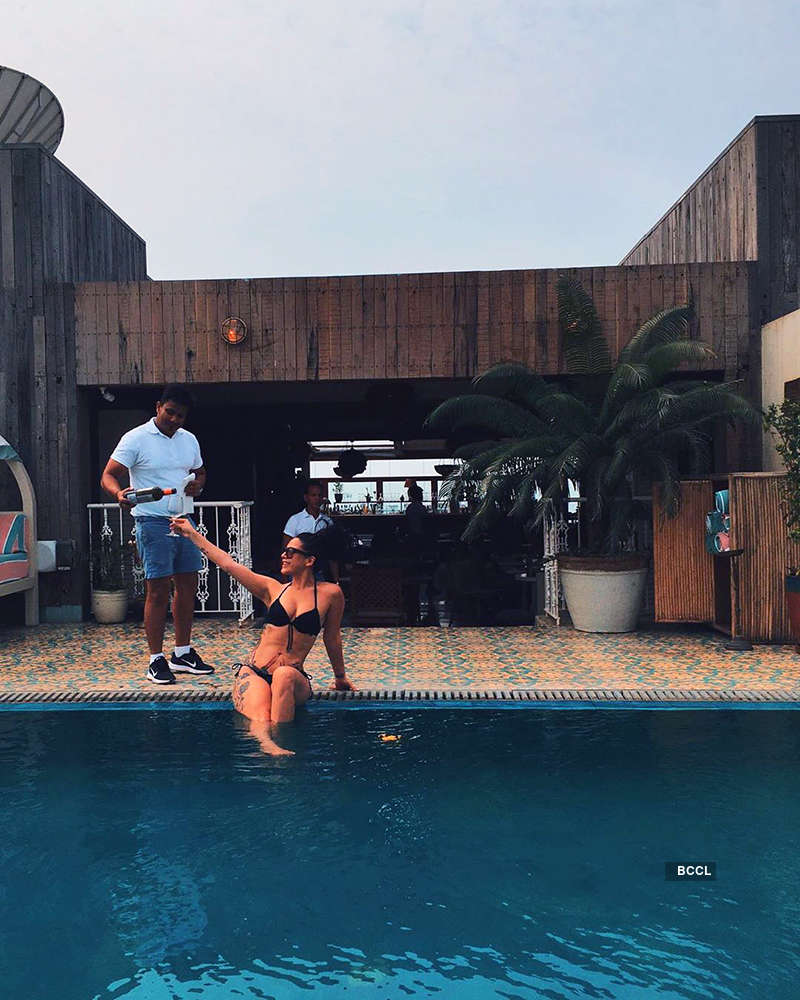 Jackie Shroff's daughter Krishna shares hilarious 'Like father like daughter' bathing suit picture