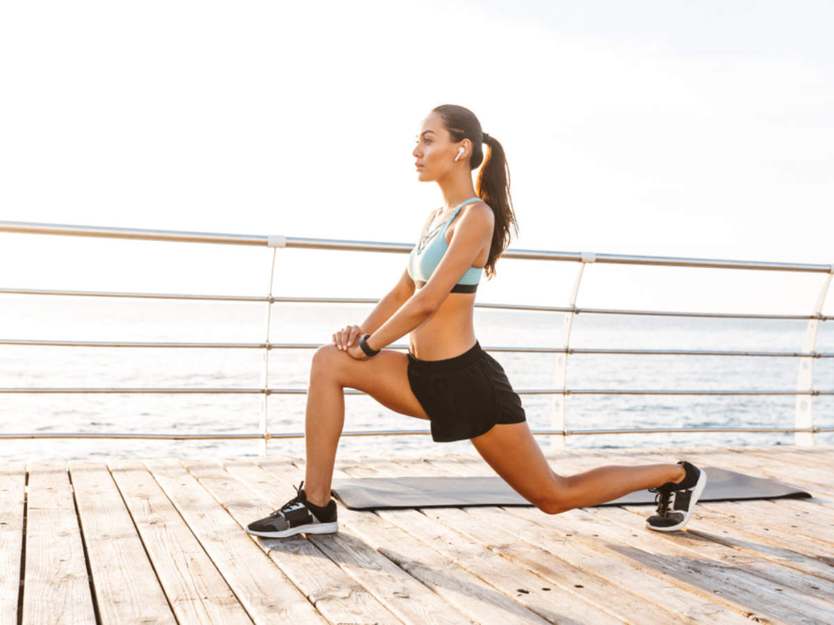 Explained: The major difference between forward and reverse lunges | The  Times of India