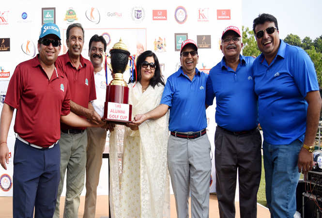 Rolee Agarwal, commissioner Income tax gave the trophy to MAYO and SOBA (3)
