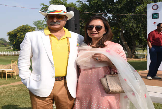 Lt General Alok Kler, Army Commander of the South Western Command with wife Anu Kler (3)