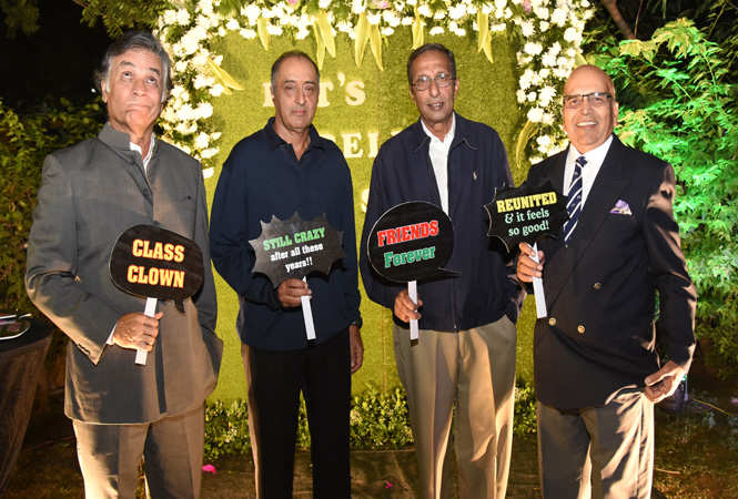 School captains- Vikram Santhara, Nalin Khanna, Vikramaditya Singh andArun Kanoria (The Scindia School) (5)