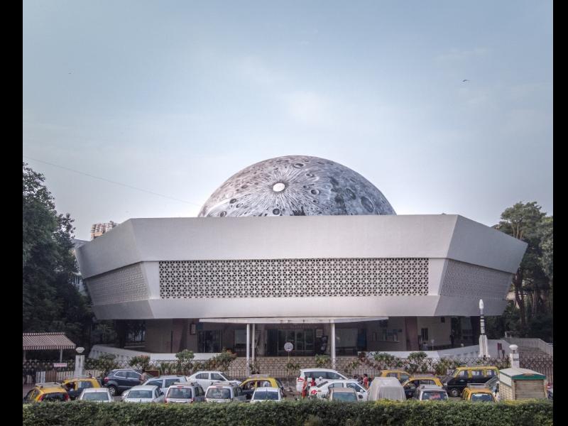 Lunar_Dome_at_Nehru_Planetarium_1