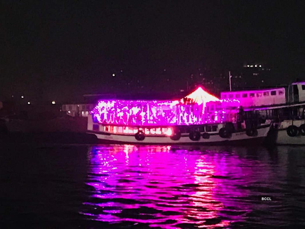 Kolkata turns pink as India embrace day-night test