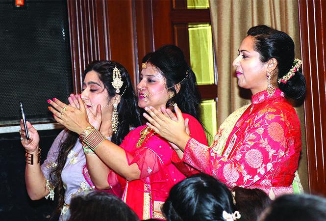 (L-R) Sanjana, Namita and Dr Priya Singh (BCCL/ Unmesh Pandey)