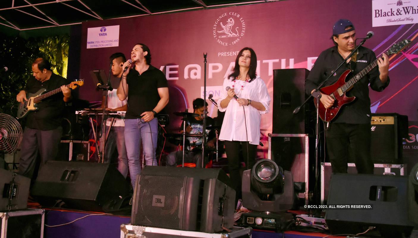 Krosswindz's rocking gig at the Tollygunge Club