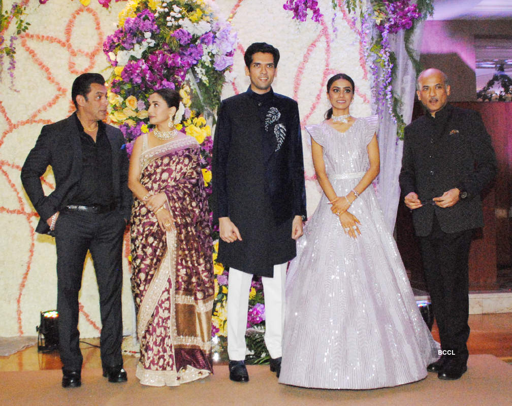 Salman Khan can't take his eyes off 'HAHK' co-star Madhuri Dixit at Sooraj Barjatya's son's wedding reception