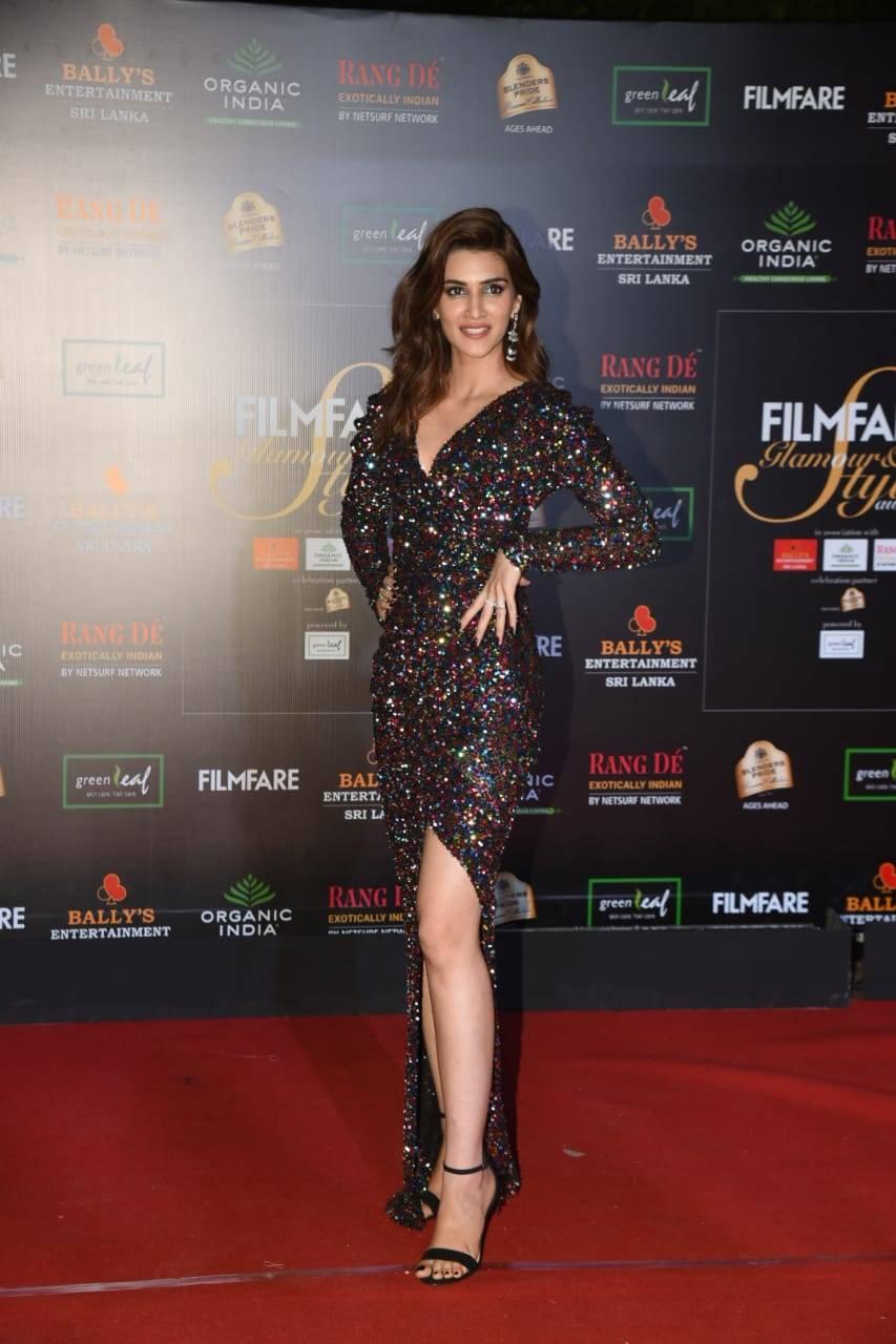 Filmfare Glamour Awards (3).