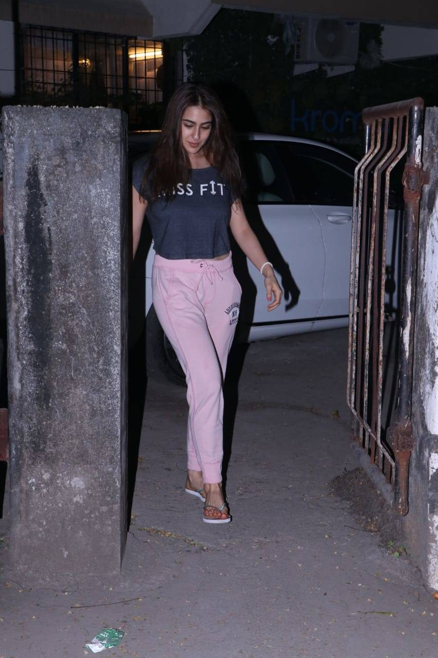 Sara Ali Khan (1).