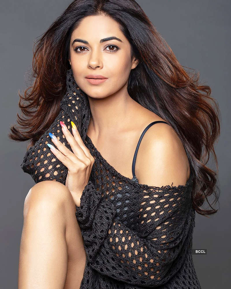 Glamorous pictures of Priyanka Chopra's sister Meera Chopra you can't miss!