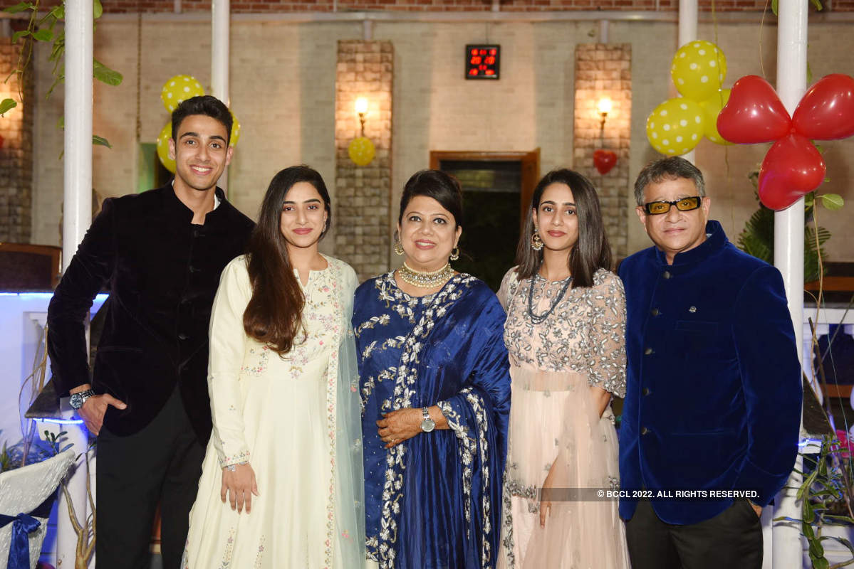A glitzy silver jubilee for Shahbaz and Rubina