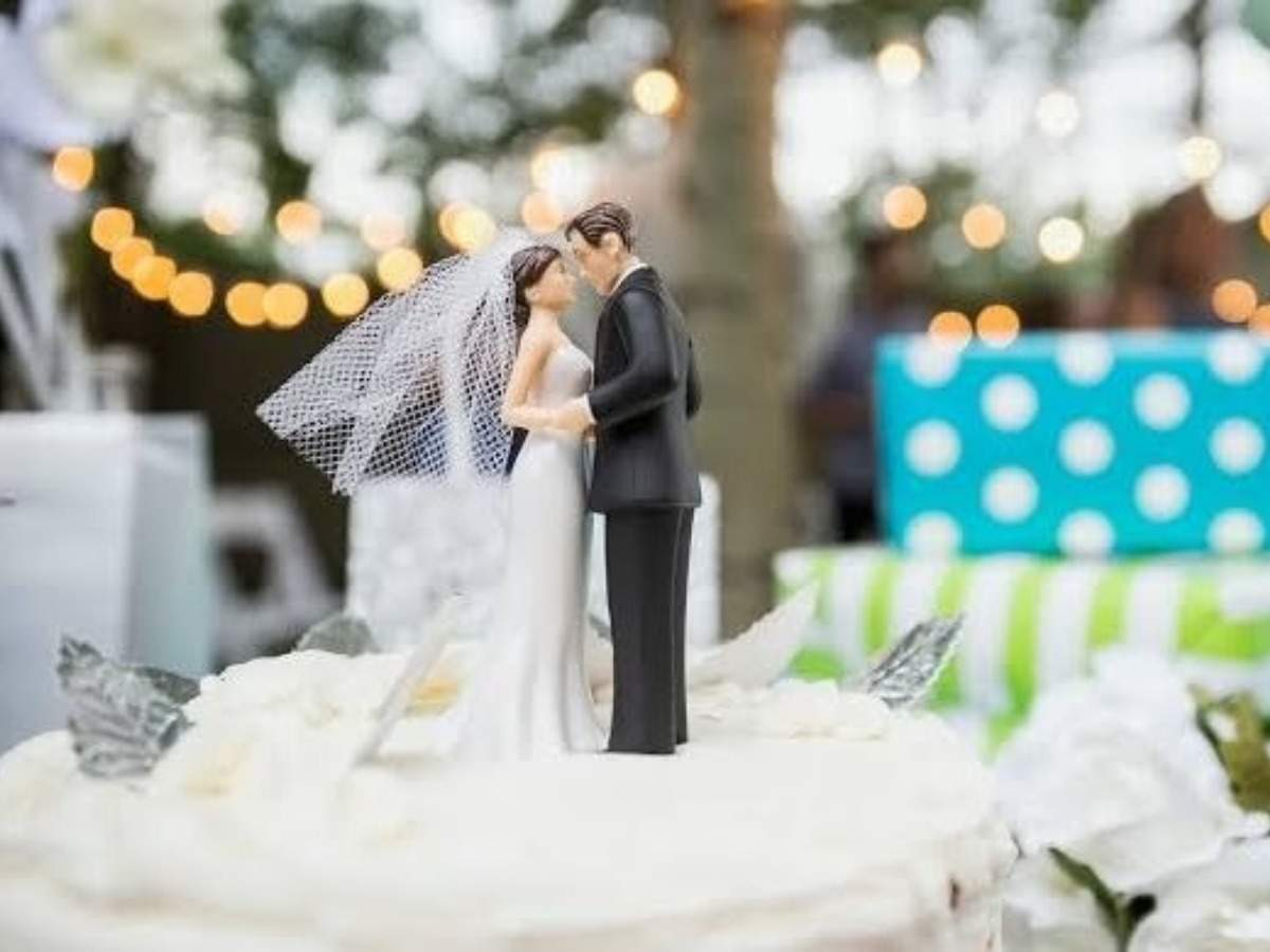 Best Wedding Gifts For Newlywed Friend