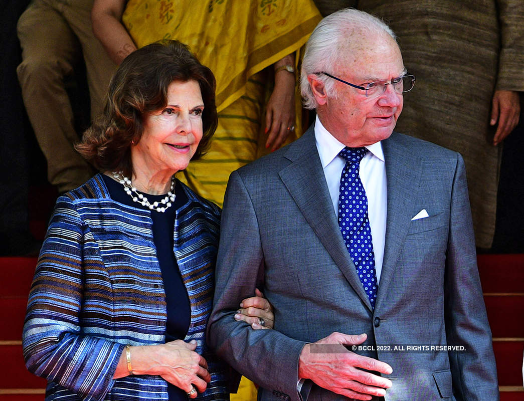Pictures from Sweden's King Gustaf & Queen Silvia's India tour, royal couple attend Ganga Aarti