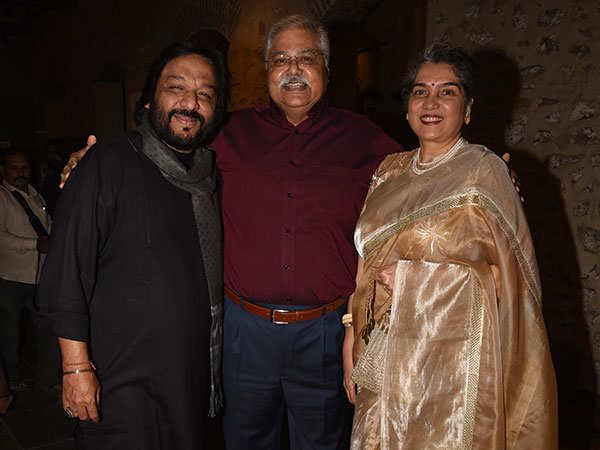 From-L-to-R,-Roopkumar-Rathod,-Satish-Shah-&-Madhu-Shah