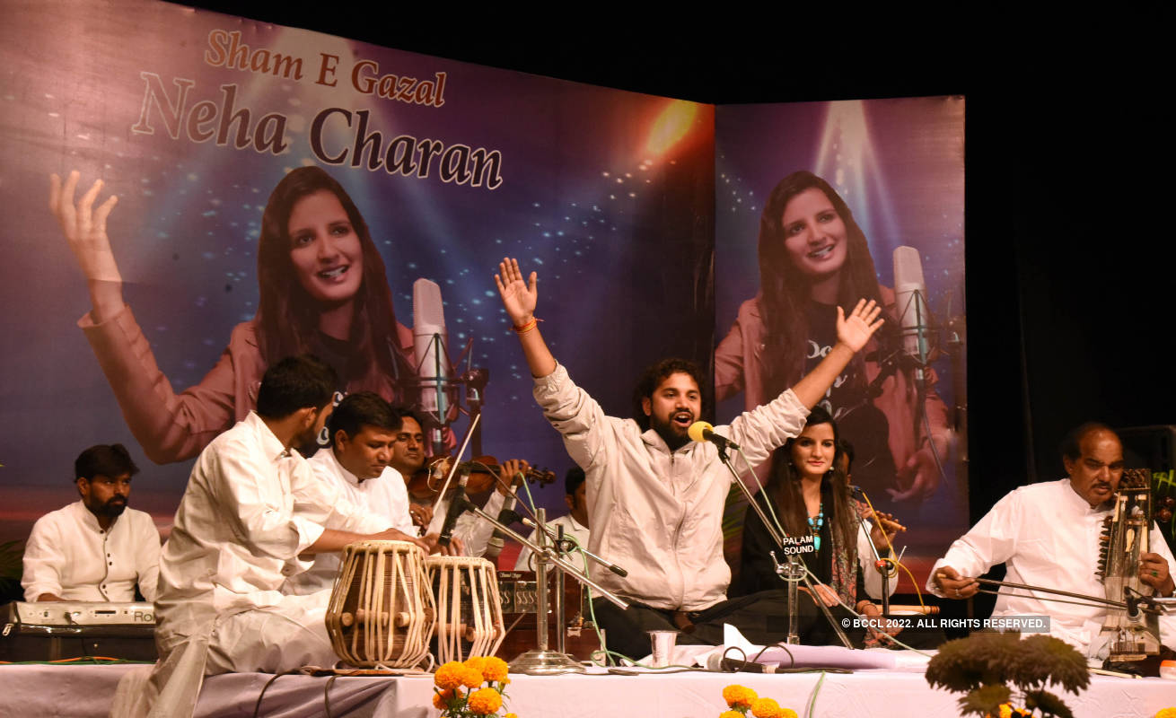 Neha Charan steals hearts with melodious ghazals