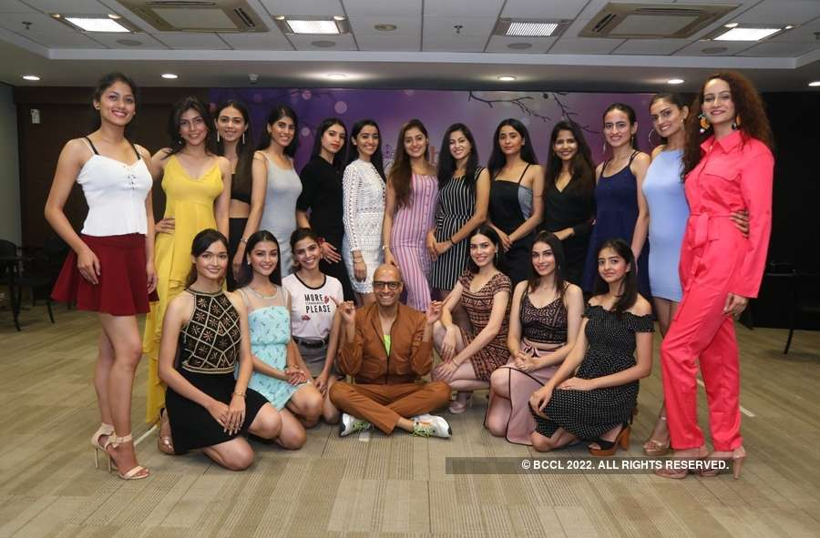 fbb Campus Princess 2019: Session with Fashion Director & Image Consultant Neeraj Gaba