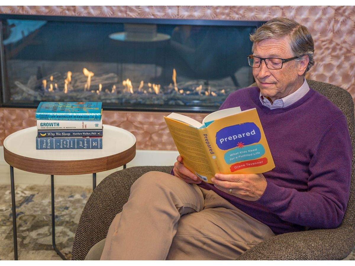 12 books world's richest man wants you to read