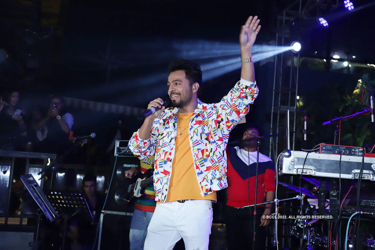 Tony Kakkar enthralls the audience in Lucknow