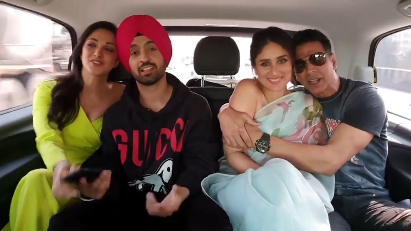 'Good Newwz' stars Akshay Kumar, Kareena Kapoor, Diljit Dosanjh and Kiara Advani's jam session in car in just unmissable!