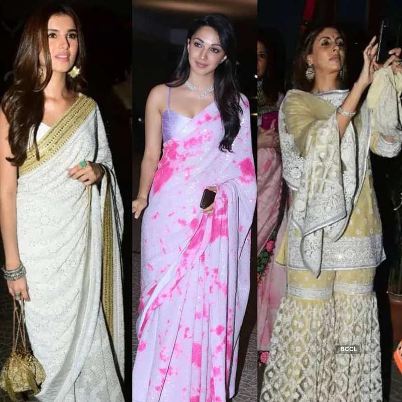 Kareena, Saif Ali Khan, Karisma & Neetu Kapoor shake a leg at Armaan Jain's roka ceremony