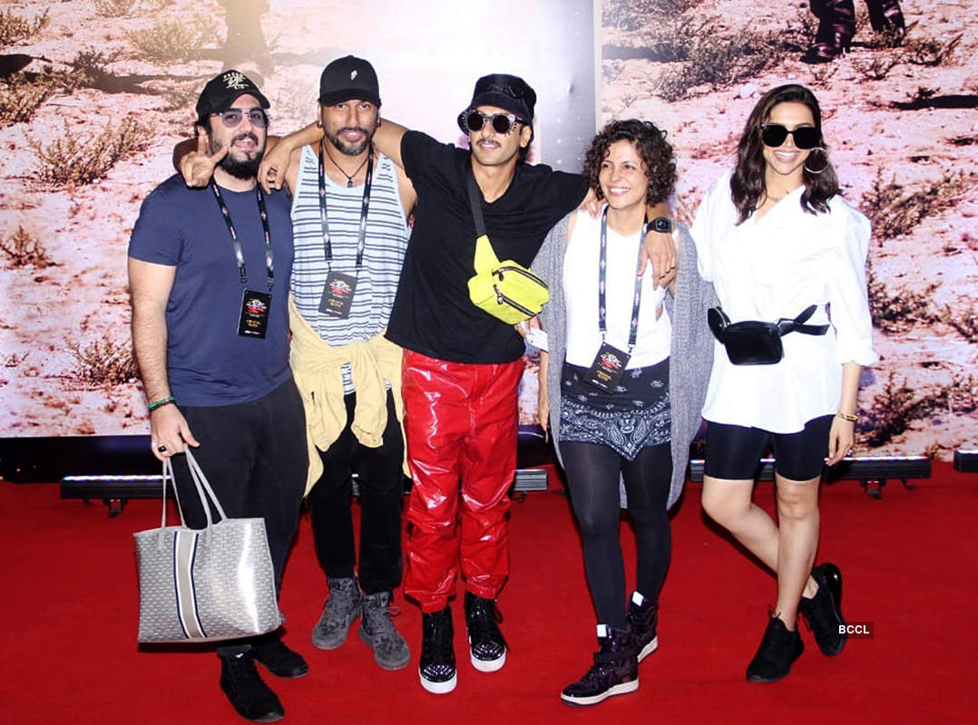 Hrithik Roshan, Deepika Padukone, Ranveer Singh and other celebs at U2's concert