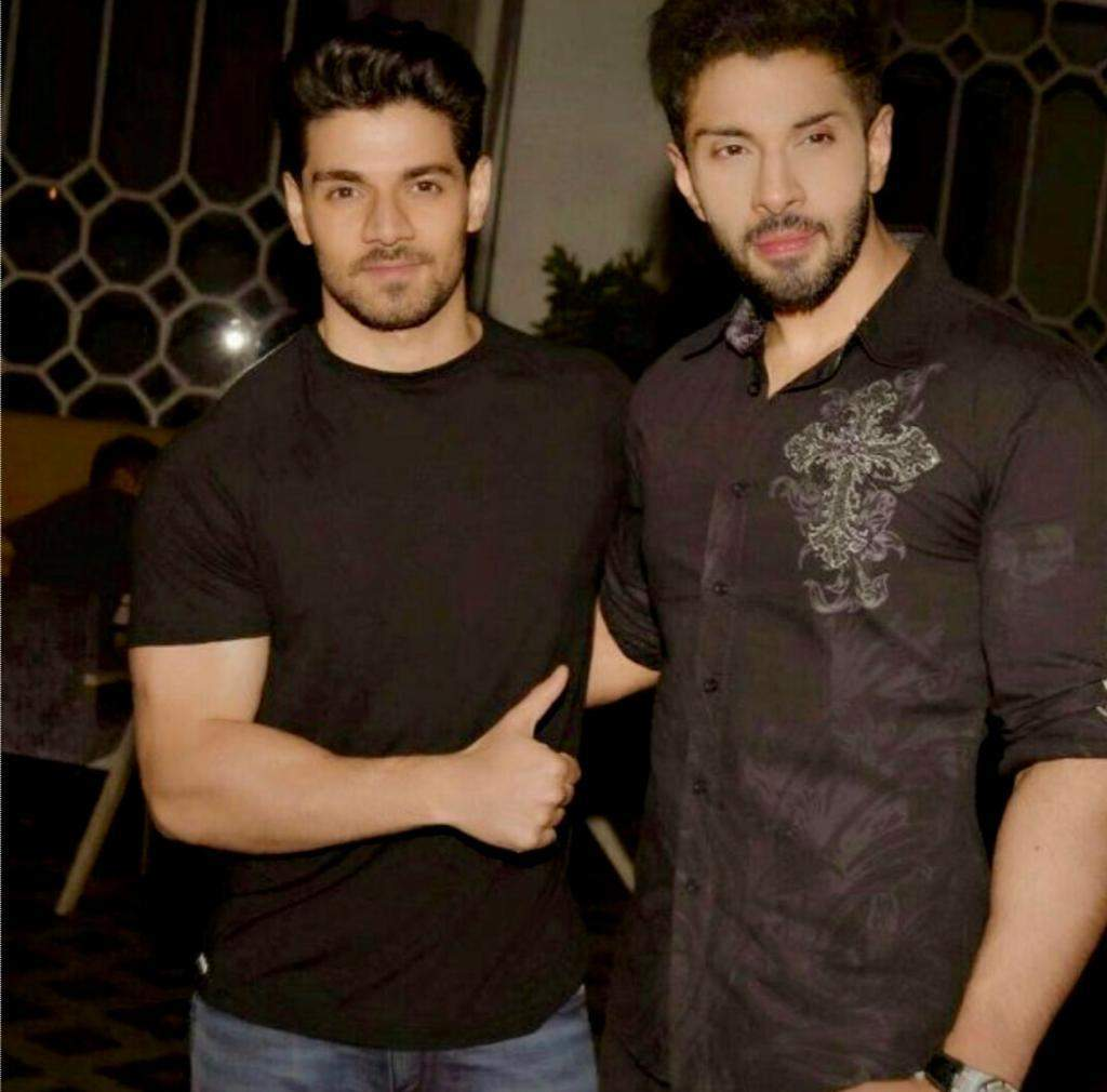 Sooraj Pancholi, Anurag Kashyap & others attend Ansh Jagwani's birthday bash, see pics