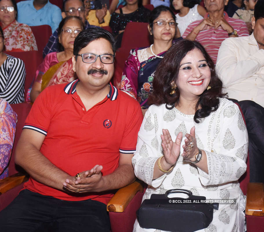 Muskuraiye Aap Lucknow Main Hain: A play