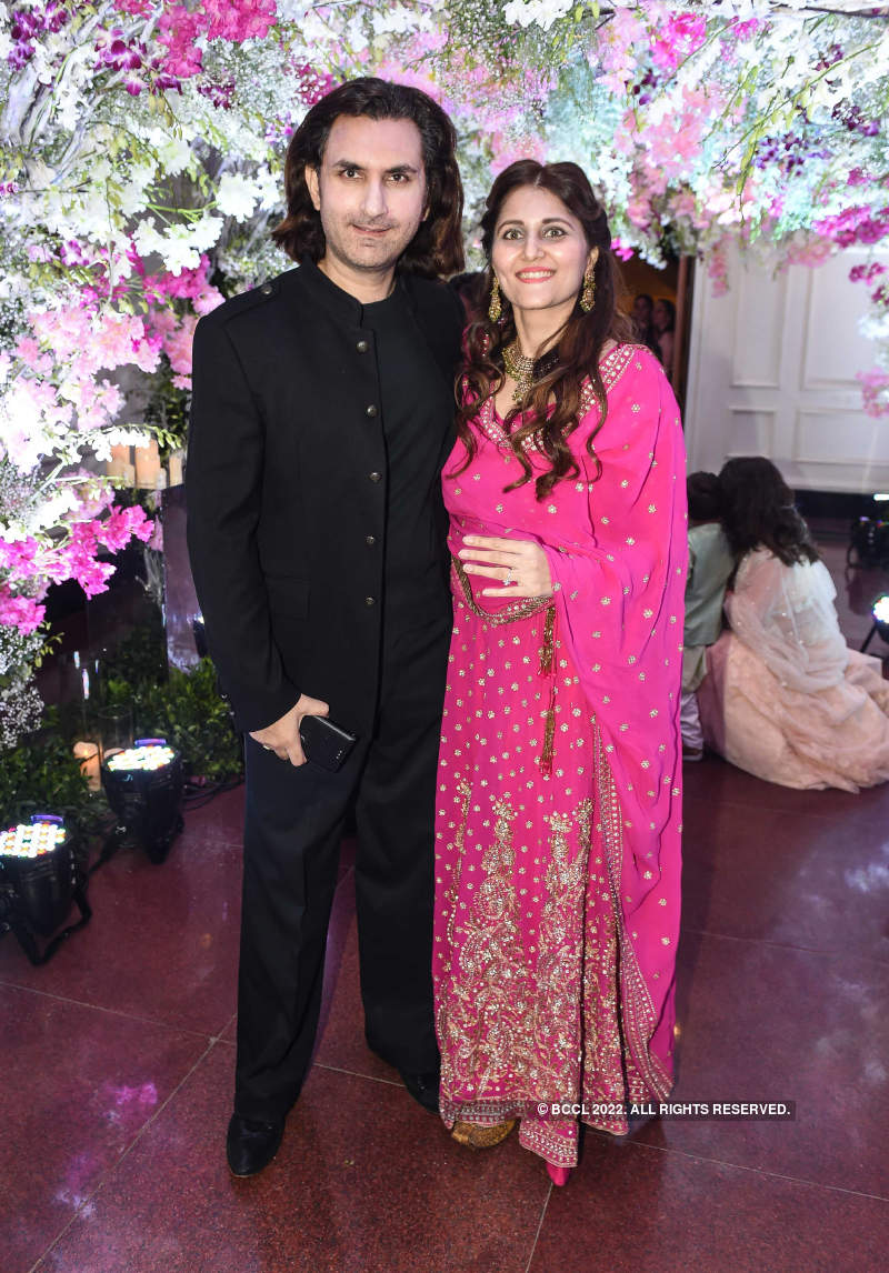 Celebs grace the wedding reception of Pankaj Udhas's daughter